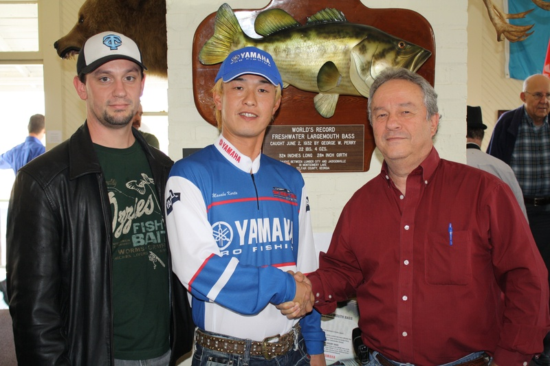 Local Fishermen Meet Japan's #1